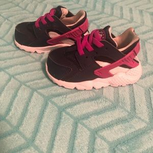 Baby Girl size 4c Nike Hurache shoes